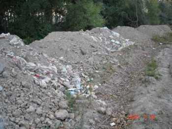Construyen , construyen y tampoco son capaces de gestionar adecuadamente los residuos
